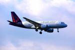 まいけるさんが、ロンドン・ヒースロー空港で撮影したブリュッセル航空 A319-112の航空フォト(写真)