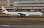 RINA-200さんが、羽田空港で撮影した日本航空 777-346の航空フォト(写真)