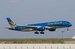 スポット110さんが、羽田空港で撮影したベトナム航空 A350-941XWBの航空フォト(写真)