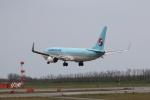 もぐ3さんが、新潟空港で撮影した大韓航空 737-8LHの航空フォト(写真)