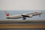 ハピネスさんが、羽田空港で撮影した日本航空 777-289の航空フォト(写真)