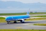 CB20さんが、関西国際空港で撮影したKLMオランダ航空 777-206/ERの航空フォト(写真)