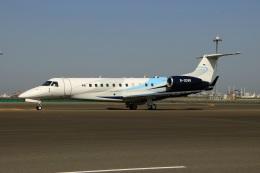 スポット110さんが、羽田空港で撮影した東方公務航空 EMB-135BJ Legacyの航空フォト(写真)
