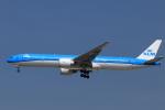★azusa★さんが、シンガポール・チャンギ国際空港で撮影したKLMオランダ航空 777-306/ERの航空フォト(写真)