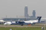 トラッキーさんが、成田国際空港で撮影したオーロラ DHC-8-402Q Dash 8の航空フォト(写真)