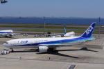 らっしーさんが、羽田空港で撮影した全日空 777-281の航空フォト(写真)