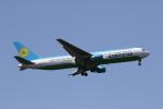 MOHICANさんが、成田国際空港で撮影したウズベキスタン航空 767-33P/ERの航空フォト(写真)