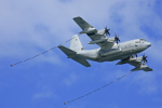 tsubameさんが、岩国空港で撮影したアメリカ海兵隊 C-130 Herculesの航空フォト(写真)