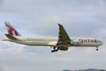 安芸あすかさんが、プーケット国際空港で撮影したカタール航空 777-3DZ/ERの航空フォト(写真)