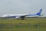青路村さんが、伊丹空港で撮影した全日空 777-381/ERの航空フォト(写真)