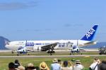 トラッキーさんが、岩国空港で撮影した全日空 767-381/ERの航空フォト(写真)