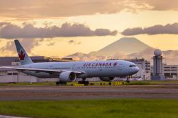 mameshibaさんが、羽田空港で撮影したエア・カナダ 777-333/ERの航空フォト(写真)