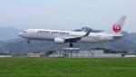 ji5islさんが、高知空港で撮影した日本航空 737-846の航空フォト(写真)