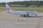 amagoさんが、秋田空港で撮影した日本航空 737-846の航空フォト(写真)