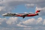 JRF spotterさんが、マイアミ国際空港で撮影したPAWAドミニカーナ MD-82 (DC-9-82)の航空フォト(写真)