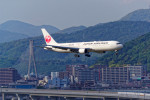 latchさんが、伊丹空港で撮影した日本航空 767-346/ERの航空フォト(写真)