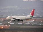うすさんが、伊丹空港で撮影したJALエクスプレス 737-446の航空フォト(写真)