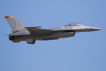 チャッピー・シミズさんが、岩国空港で撮影したアメリカ空軍 F-16C Fighting Falconの航空フォト(写真)