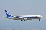 amagoさんが、関西国際空港で撮影した全日空 767-381の航空フォト(写真)