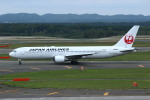 resocha747さんが、新千歳空港で撮影した日本航空 767-346の航空フォト(写真)
