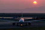 岡崎美合さんが、関西国際空港で撮影したキャセイパシフィック航空 777-367の航空フォト(写真)