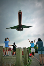 ppuw43さんが、台北松山空港で撮影した遠東航空 MD-83 (DC-9-83)の航空フォト(写真)