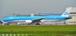 kamerajiijiさんが、成田国際空港で撮影したKLMオランダ航空 777-306/ERの航空フォト(写真)