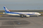 amagoさんが、羽田空港で撮影した全日空 777-281/ERの航空フォト(写真)