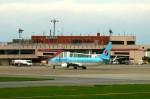キハとエアバスさんが、青森空港で撮影した大韓航空 737-9B5/ER の航空フォト(写真)