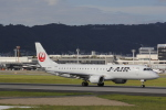 hiroki-JA8674さんが、伊丹空港で撮影したジェイ・エア ERJ-190-100(ERJ-190STD)の航空フォト(写真)