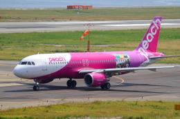 suu451さんが、関西国際空港で撮影したピーチ A320-214の航空フォト(写真)