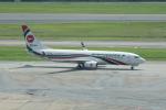 かずまっくすさんが、シンガポール・チャンギ国際空港で撮影したビーマン・バングラデシュ航空 737-8E9の航空フォト(写真)