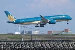 ceskykrumlovさんが、羽田空港で撮影したベトナム航空 A350-941XWBの航空フォト(写真)