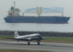 suke55さんが、神戸空港で撮影したスーパーコンステレーション飛行協会 DC-3Aの航空フォト(写真)