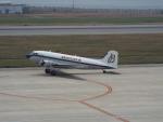 PW4090さんが、神戸空港で撮影したスーパーコンステレーション飛行協会 DC-3Aの航空フォト(写真)