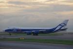 JA8037さんが、香港国際空港で撮影したエアブリッジ・カーゴ・エアラインズ 747-8HVFの航空フォト(写真)