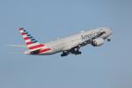 サリーちゃんのパパさんが、羽田空港で撮影したアメリカン航空 777-223/ERの航空フォト(写真)