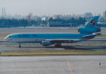 よしポンさんが、伊丹空港で撮影した大韓航空 DC-10-30の航空フォト(写真)