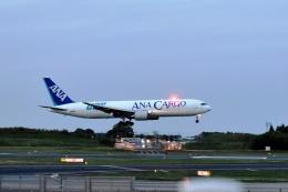sonnyさんが、成田国際空港で撮影した全日空 767-381F/ERの航空フォト(写真)