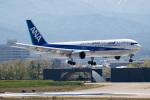 チャッピー・シミズさんが、小松空港で撮影した全日空 767-381の航空フォト(写真)