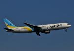 チャーリーマイクさんが、羽田空港で撮影したAIR DO 767-33A/ERの航空フォト(写真)