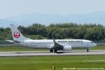 tabi0329さんが、長崎空港で撮影した日本航空 737-846の航空フォト(写真)