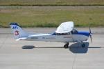 SKY☆101さんが、神戸空港で撮影した本田航空 172S Skyhawk SPの航空フォト(写真)