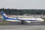 小牛田薫さんが、成田国際空港で撮影した全日空 767-381/ERの航空フォト(写真)