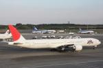小牛田薫さんが、成田国際空港で撮影した日本航空 777-346/ERの航空フォト(写真)