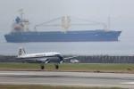 トールさんが、神戸空港で撮影したスーパーコンステレーション飛行協会 DC-3Aの航空フォト(写真)