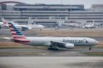 ジャコビさんが、羽田空港で撮影したアメリカン航空 777-223/ERの航空フォト(写真)