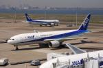 timeさんが、羽田空港で撮影した全日空 777-281/ERの航空フォト(写真)