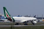 多楽さんが、成田国際空港で撮影したアリタリア航空 A330-202の航空フォト(写真)