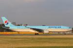 安芸あすかさんが、成田国際空港で撮影した大韓航空 A330-322の航空フォト(写真)